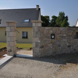 Pierre d'Omonville - Piliers et Muret